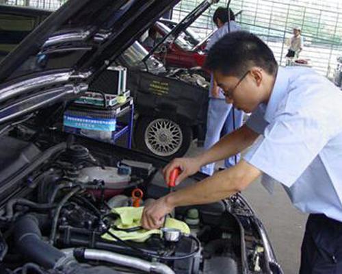 秋季爱车保养须知 底盘除锈和轮胎检查