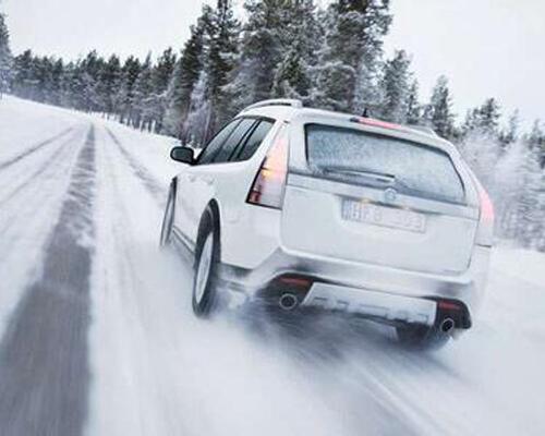 冬季保养需跟上 更换汽车润滑油很重要