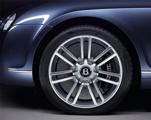 正確清洗輪胎很關鍵 保持愛車的光潔如新