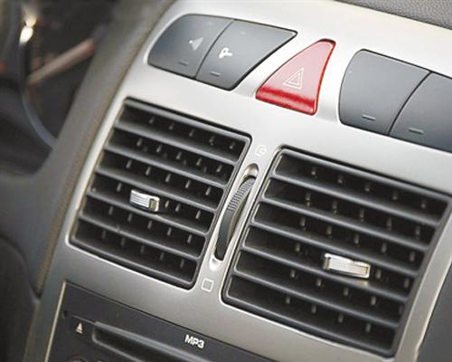 低温天气车内保鲜 交替使用内外循环