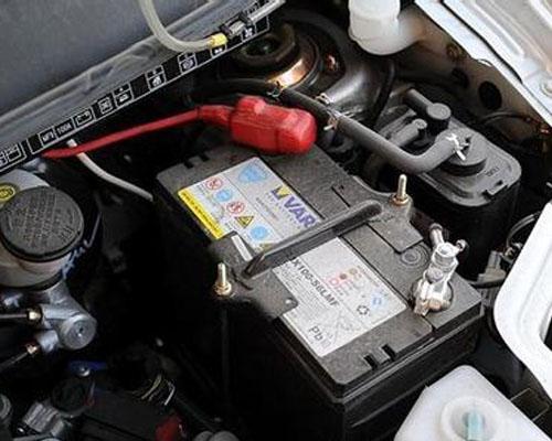 汽车蓄电池没电咋办?两种自救方法