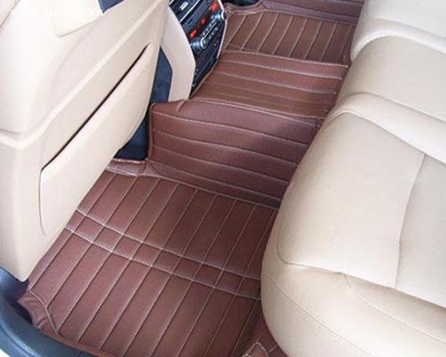 汽車地毯清潔有講究 不同臟物清洗有別