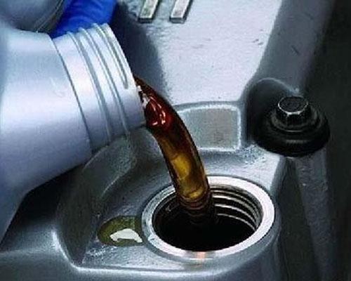 冬季保養需跟上 更換汽車潤滑油非常重要