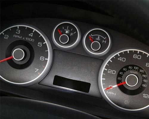 发动机机油压力不正常的三个原因及危害