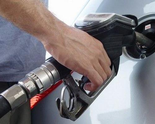燃油添加剂勿要乱加 会损害发动机零件