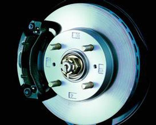 汽车刹车片正确养护方法 要注意磨损度