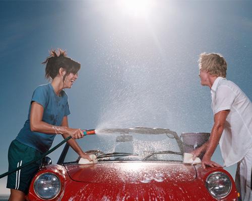 清洗汽车污渍中应注意三个事项