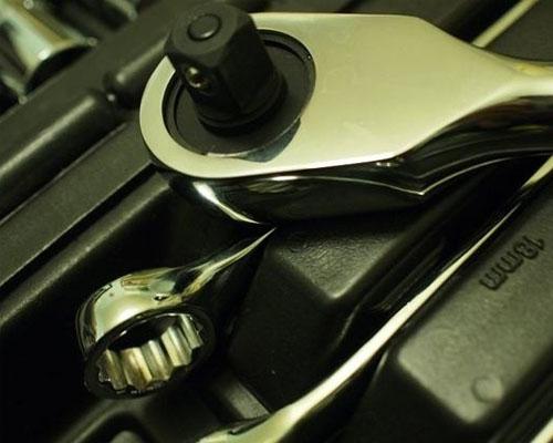 春节汽车保养维修陷阱 小题大做多收费