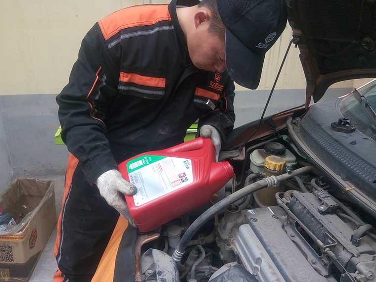 上门汽车保养 应该如何去判断刹车油质量