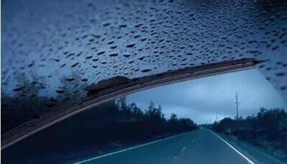 车自主夏季如何爱护保养汽车雨刮器